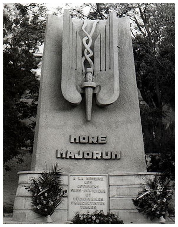 More Majorum . 361-monument_aux_morts_legion_para